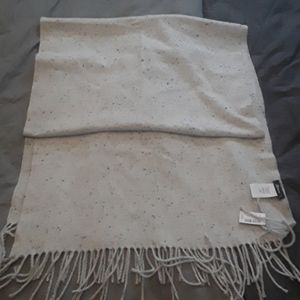 BNWT grey marl scarf